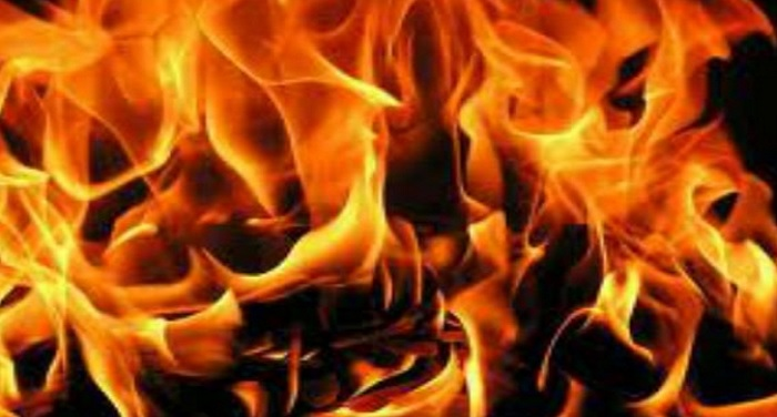 nepali-woolen-market-150-shops-caught-fire-in-delhi
