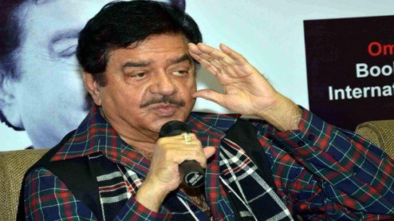 बिहारी बाबू हुए बेकाबू, कहा कांग्रेस मुक्त की बजाय 'तम्बाकू मुक्त भारत' बनाएं