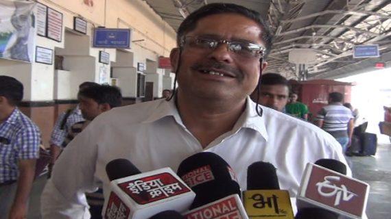 राज्य रानी एक्सप्रेस दुर्घटना, मेरठ स्टेशन पर कंट्रोल रुम से लोग ले रहे हैं मदद
