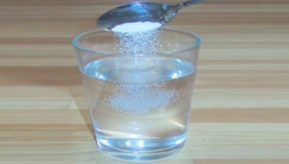 रोजाना सुबह एक गिलास पानी में नमक मिलाकर पिएं, मिलेगा फायदा