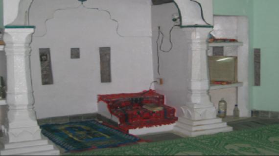 सबसे छोटी मस्जिद जाने यहां के फेमस चीजों के बारे में….