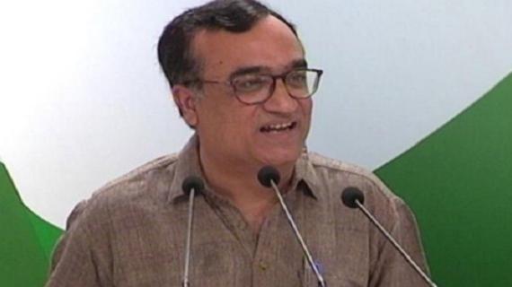 कपिल के आरोपों के बाद केजरीवाल पर हावी हुई कांग्रेस, माकन ने मांगा इस्तीफा
