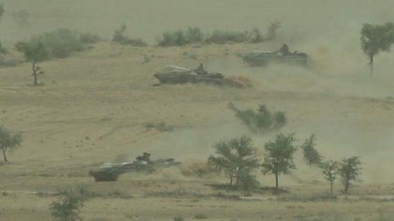 भारतीय सेना का 'अत्याधुनिक हथियारों' के साथ शक्ति प्रर्दशन