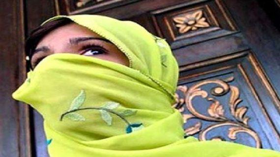 पाकिस्तानी लड़कियों का जबरन धर्मांतरण कराने पर करांची में विरोध प्रदर्शन