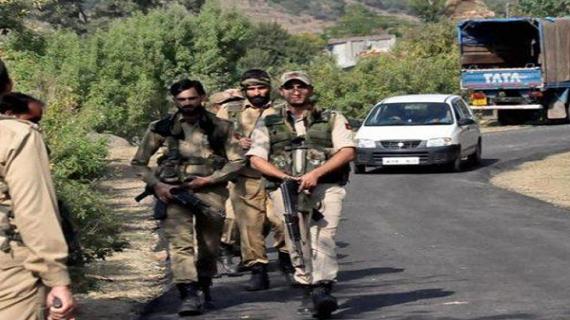 अमरनाथ यात्रा के दौरान सतर्क रहे पुलिसकर्मी, आतंकी दे सकते हैं बड़ी वारदात को अंजाम
