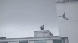 7वीं मंजिल से गिरी 16 साल की लड़की, कैमरे में कैद हुई दर्दनाक मौत की तस्वीर