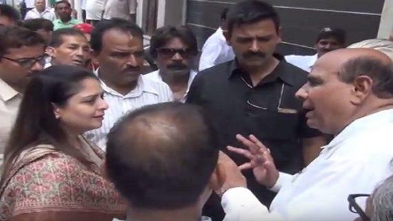 मेरठ कांग्रेस कार्यलय पर आज नगमा का जमकर विरोध हुआ