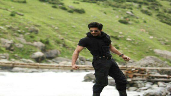 माइक से भी रोमांस कर सकते हैं शाहरूख खान: अनुष्का शर्मा