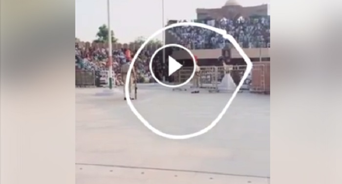 pakistani, soldier, fall, retreat parade, wagah border