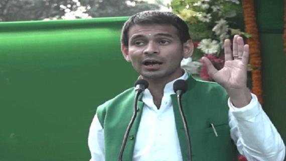 तेजप्रताप यादव का पेट्रोल पंप का लाइसेंस रद्द, बीजेपी ने की इस्तीफे की मांग