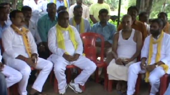 रागिनी हत्याकांड में पीड़ित परिवार से मिले कैबिनेट मंत्री ओमप्रकाश राजभर