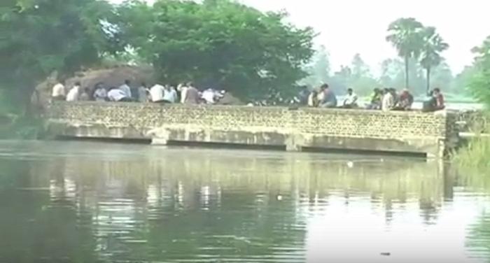 Floods,devastated,devastation,students study, 500 Beige farming,