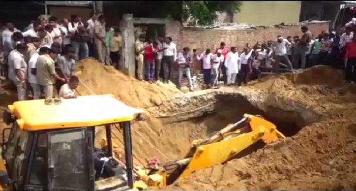 death of laborer, soil erosion, meerut, police