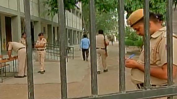 दिल्ली: 45 फीसद मतदान में सिमटी प्रत्याशियों की किस्मत, 28 को आएगा परिणाम