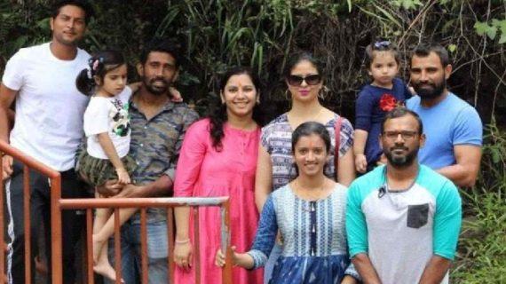 श्रीलंका से टेस्ट सीरीज जीतने के बाद अशोक वाटिका पहुंची भारतीय क्रिकेटर