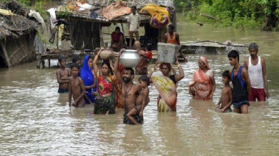 बिहार में बाढ़ से हालात बेकाबू, वीडियो में देखिए कैसे मची है तबाही