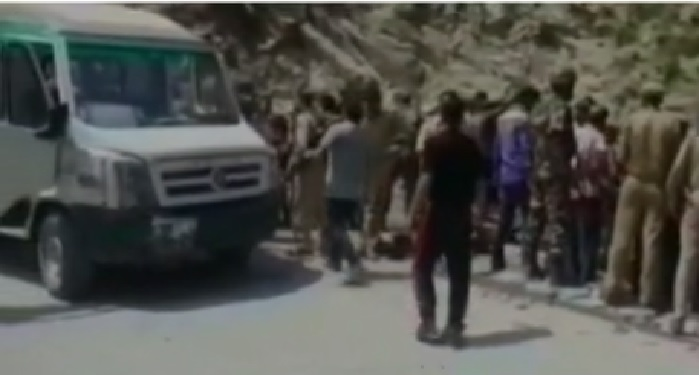 vehicle, collapses, reasi district, jammu kashmir, people, died