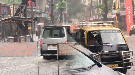 मायानगरी में बारिश का कहर, बीएमसी की खुली पोल
