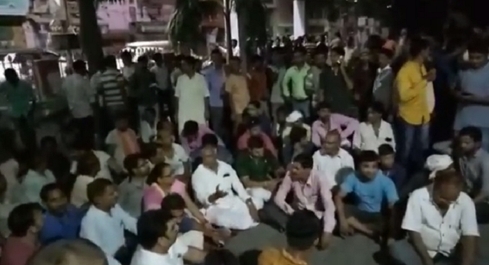 BJP MLA, sitting, on strike, against, police Inspector, CUG no.,keshav prashad morya