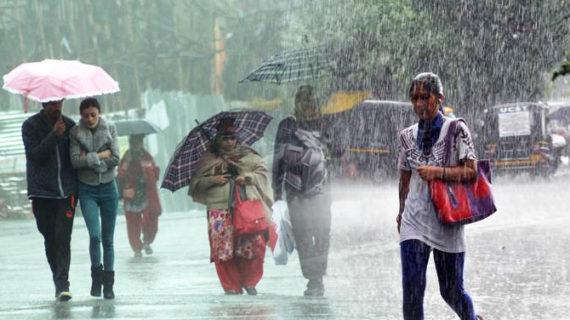 भारी बारिश से उत्तराखंड में बाढ़ की आशंका, सारे हाईवे हुए क्षतिग्रस्त