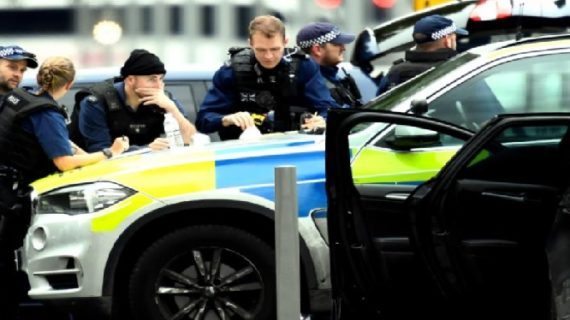 कार ने लंदन म्यूजियम के पास लोगों को कुचला , कई लोग घायल