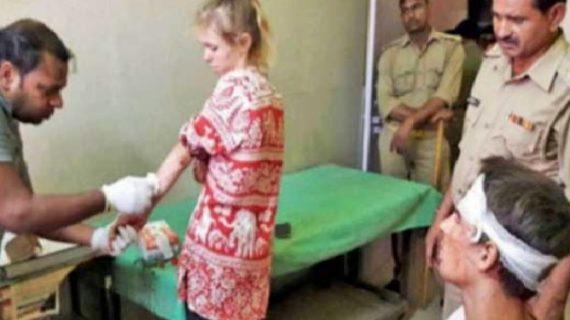 भारत घुमने आए विदेशी जोड़े की पिटाई, सुषमा ने मांगी यूपी सरकार से रिपोर्ट