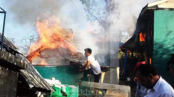 शोपियां: कल की थी पूर्व सरपंच की हत्या, आज जलाया घर
