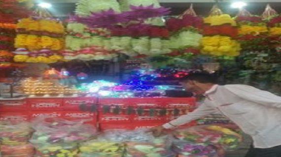 विरोध के बाद भी धड़ल्ले से बिक रहे चाइना मेड आइटम