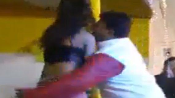जानिए: क्या है शिक्षा मंत्री का लड़की के साथ पोल डांस करने का सच