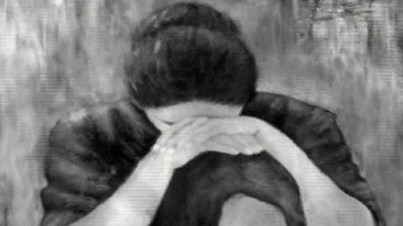 यूपी में चार हथियारबंद बदमाशो ने पति और बच्चे के सामने महिला के साथ किया गैंगरेप