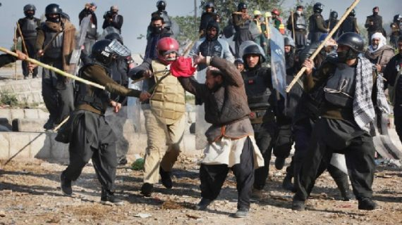 पाकिस्तान में भड़की हिंसा, सुरक्षाबलों ने कि कार्रवाई, 6 लोगों की मौत, 200 घायल