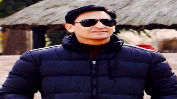 उत्तराखंड: डीएम रावत ने पूरी की शहीद बेटे की कमी, शहीद की मां को घर जाकर दी जन्मदिन की बधाई