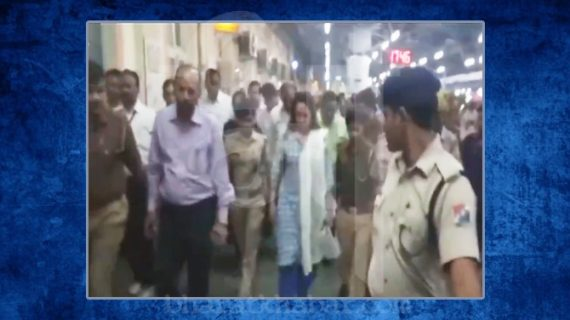जब हेमा मालिनी कर रही थी रेलवे का निरीक्षण, सांड हुआ बेकाबू