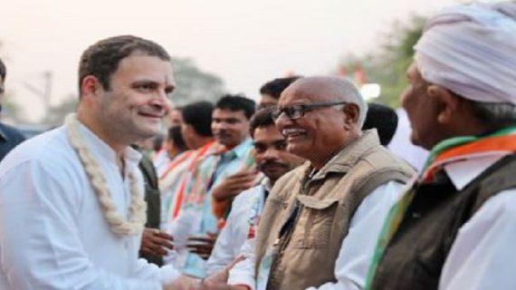 गुजरात चुनावः गलतियों के बाद भी बीजेपी से कांटे की टक्कर ले रही है कांग्रेस