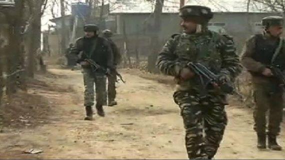 श्रीनगर के अवंता भवन में आतंकियों को पकड़ने के लिए तलाशी अभियान जारी