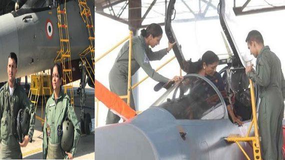 रक्षा मंत्री निर्मला सीतारमन ने सुखोई-30 में भरी उड़ान