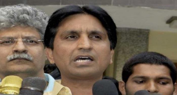 vish 1 कुमार विश्वास पर आप का पलटवार, कहा सरकार गिराने की साजिश में थे कुमार
