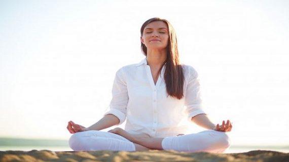 योग के इन आसन से चेहरे पर आ जाएगा जबरदस्त निखार